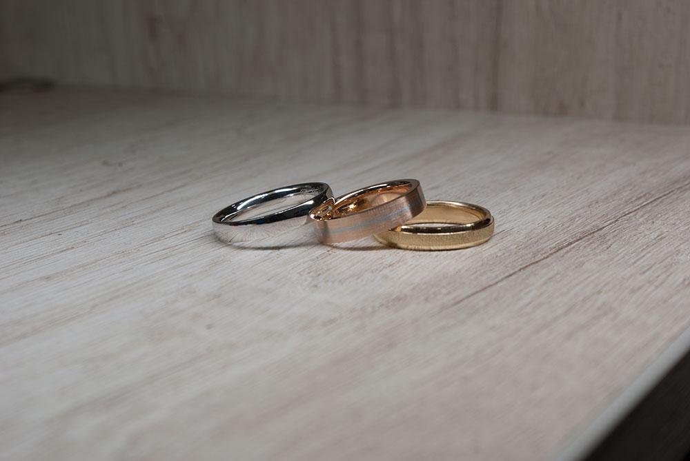 Color de las argollas y anillos